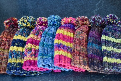 How to Knit a Hat and Make a Pom Pom@judyschickens